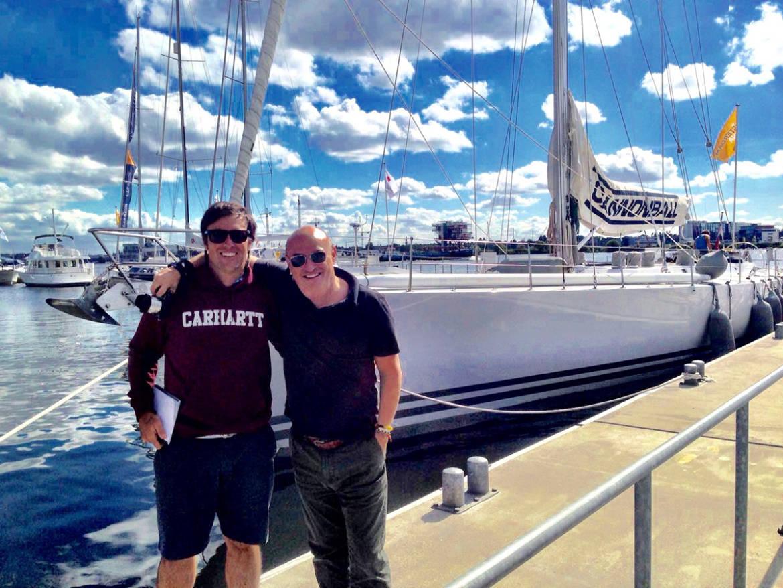 Con-Diego-Fructuoso-y-el-Cannoball-el-velero-con-el-que-cruzamos-el-Atlántico.jpg